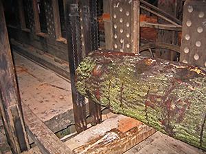 zaagraam-in-een-houtzaagmolen