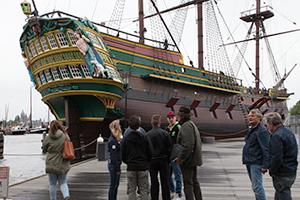 Bij-VOC-schip-'Amsterdam'